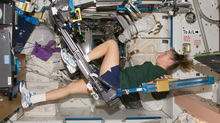 how do astronauts exercise in space and why is it so important - photo #6